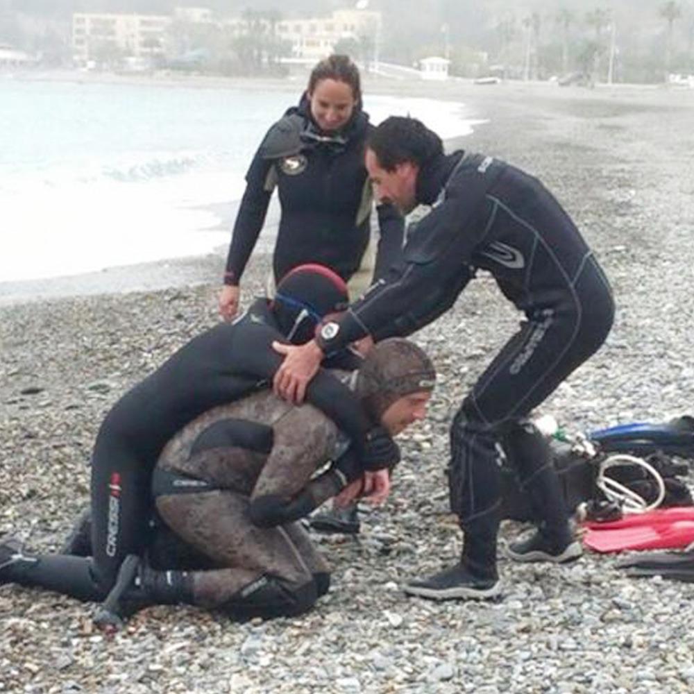 rescue-diver-la-herradura-playa