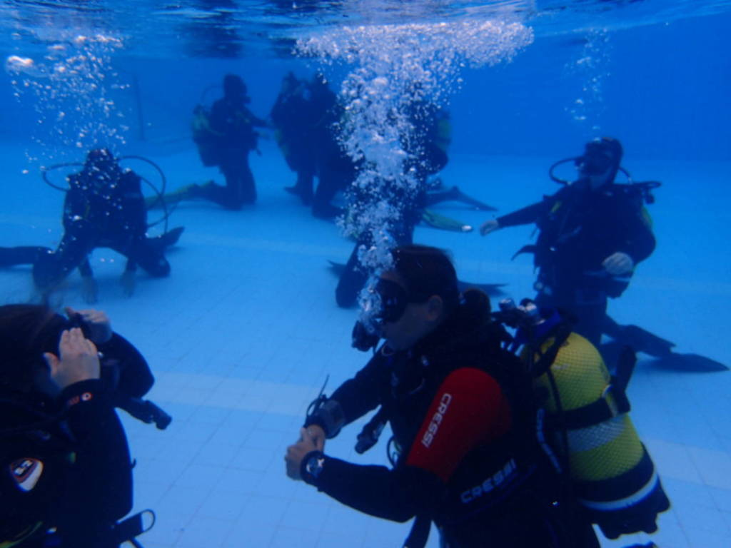 curso-open-water-diver-piscina